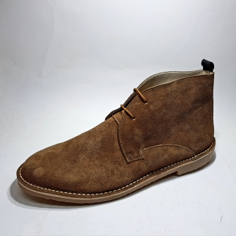 Men's boot made of split leather