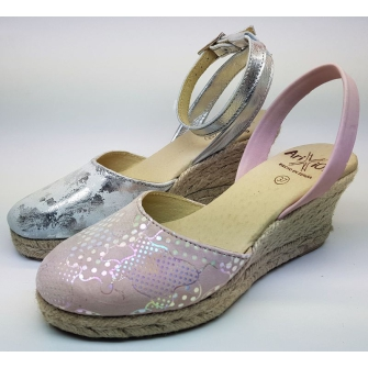 Summer sandal model, throw in jute sole 5-string wedge